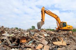 Прокуратура зобов'язала фірму знести 2-х поверховий будинок на березі Дністра