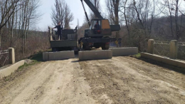 На Буковині Чорнівка заблокувала дорогу до Топорівців через заборонені перевезення