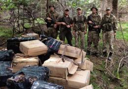 На Буковині виявили 12 тисяч пачок контрабандних цигарок