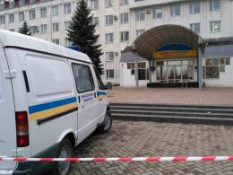 У результаті вибуху в приміщенні податкової у Чернівцях постраждали двоє людей
