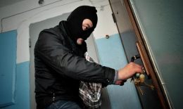 На Буковині засудили грабіжника, який п'яним обкрадав чернівчан