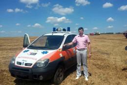 На Буковині райлікарня отримала санітарне авто з Італії