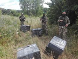 На Буковині прикордонники виявили контрабанду сигарет на березі Прута