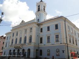 У Чернівцях суд скасував результати конкурсу на заміщення посади у мерії (відео)
