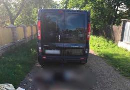 На Буковині мікроавтобус заднім ходом збив на смерть 94-річну жінку