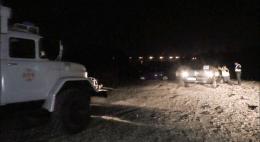 У Чернівцях на березі Прута застрягло два автомобілі (фото)