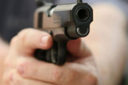 На Буковині молодики зі зброєю напали на будинок