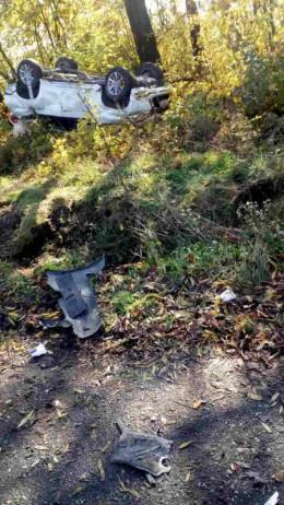 На Буковині зіткнулися два легковики, травмувалась жінка (фото)