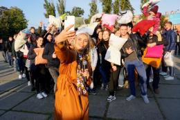 Чернівцям не вдалося побити всеукраїнський рекорд із бою подушками