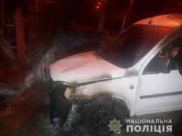 У Чернівцях поліція затримала палія автівок