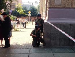 У Чернівцях шукали вибухівку в приміщенні ОДА