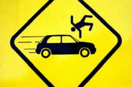 """На Буковині """"Mitsubishi"""" наїхав на пішохода, який раптово вийшов на дорогу"""