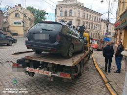 У Чернівцях виявили водія, який за кермом вживав наркотичні речовини