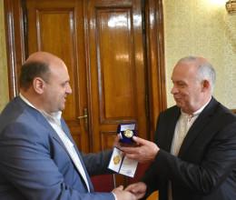 Двох професорів Чернівецького університету нагородили Почесними відзнаками