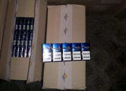 Поблизу кордону з Румунією затримали два автомобілі з іноземною реєстрацією, які були вщент забиті цигарками