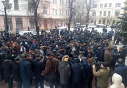 Військові пенсіонери пікетували Чернівецьку ОДА (фото)