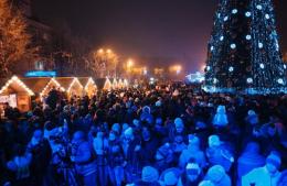 Мер Чернівців звинуватив у зловживанні підприємця, який облаштовує Різдвяне містечко