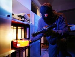 У Чернівцях затримали серійного крадія, який обікрав школу, кафе та магазин