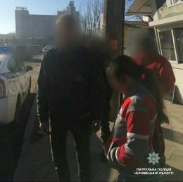 У Чернівцях патрульні виявили 20-річну п'яну водійку моторолера
