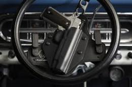 У Чернівцях засудили буковинця, якого зі зброєю затримали на краденій автівці