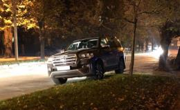 Мережу обурило, як Продан у Чернівцях припаркував своє авто