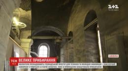 У Чернівцях волонтери перетворюють покинуту синагогу на новітній коворкінг
