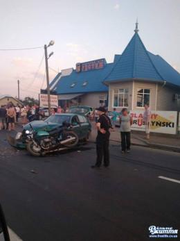 На Буковині у Мамаївцях зіткнулися мотоцикл і легковик