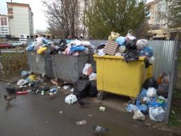 Із Гравітону вже декілька днів не вивозять сміття (фото)