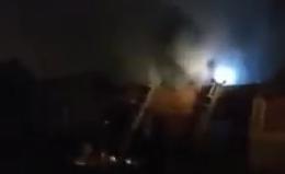 У Садгорі пожежа на складах (відео)