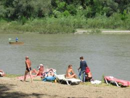 У Чернівцях на міському пляжі знову заборонили купатися