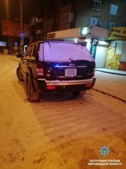 """У Чернівцях патрульні затримали п'яного порушника на """"Jeep G-Cherokee S"""""""