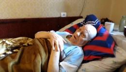 У Новодністровську чиновника звинувачують у примушуванні пенсіонера заповісти на нього квартиру (відео)