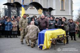 Буковина попрощалась із загиблим 24-річним бійцем (фото)