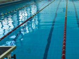 У спортклубі Чернівців під час плавання помер чоловік
