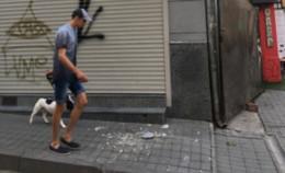 У Чернівцях на Заньковецької на тротуар упав шматок балкона