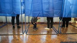 У Чернівцях поліція отримала два звернення через перші порушення на виборах