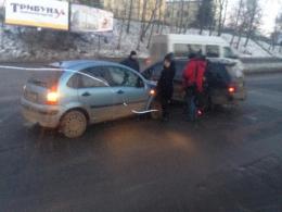 """У Чернівцях поблизу """"Калинки"""" сталось ДТП"""