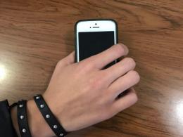 У Чернівцях чоловік поцупив у свого сусіда мобільний телефон