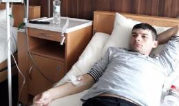 Справжнє диво: Андрій зі Сторожинеччини, який мав четверту стадію раку, поступово видужує.