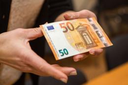 Жителі Красноїльська за 50 євро хотіли підкупити курсантів-прикордонників на Буковині