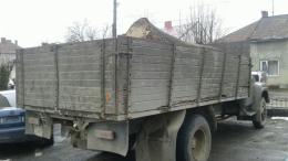 На Буковині затримали вантажівку з незаконно зрубаною деревиною
