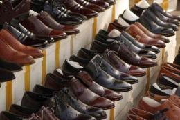У Чернівцях 20-річний хлопець поцупив з прилавку магазину взуття