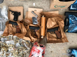 На Буковині поліція викрила банду, що займалась незаконним обігом зброї (фото)