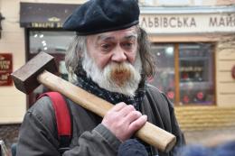Епатажний художник з Чернівців став номінантом на Шевченківську премію