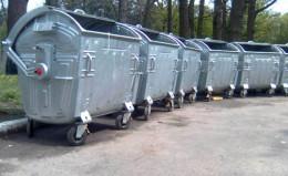 У Чернівцях містяни просять фарбувати та мити сміттєві контейнери
