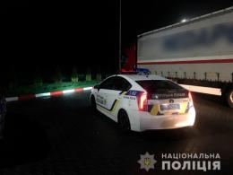 На Буковині п'яний водій хотів дати хабара поліцейському