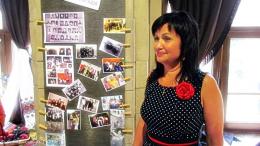 У Чернівцях проходить виставка випускників 80-х Вижницького коледжу мистецтв