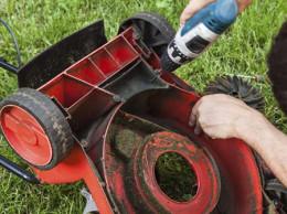 Поліцейські на Буковині по гарячих слідах встановили двох молодих крадіїв садової техніки
