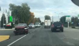 """На Буковині поблизу АЗС зіткнулись дві """"Тойоти"""""""