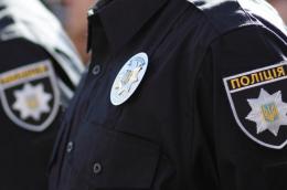 У Чернівцях патрульні довезли до лікарні жінку з сином, який потребував допомоги